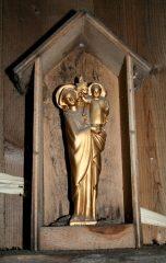 Statuette de Notre-Dame-des-Érables dans sa niche, à l'intérieur de la cabane de M. Fecteau. Photo Bernard Genest.