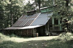 La cabane à sucre de Mme Carmelle Loignon. Photo Bernard Genest.