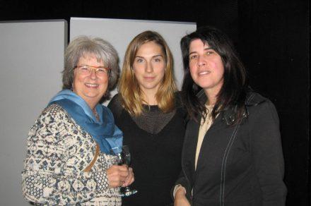 Louise Décarie et Élise Bégin discutent avec Manon Dupont de leur vision de la SQE