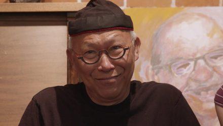 """""""La Beauté de la différence"""" relate l'expérience du peintre Chanh Truong et de la sculpteure Senrine auprès des participants en déficience intellectuelle de L'Arche, organisme visant l'intégration sociale de ces personnes."""