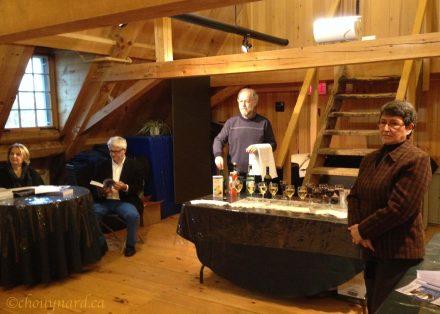 Un verre de l'amitié attendait les participants à la suite des présentations. Photo Y. Chouinard