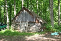 La cabane qu'utilisait le grand-père de M. Maheu. Photo Bernard Genest.