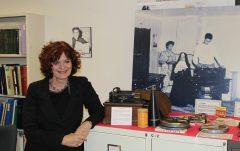 À cette occasion, Carole Saulnier avait préparé une exposition sur les travaux de recherche des Archives de folklore et d'ethnologie. Photo : Jean-François Blanchette